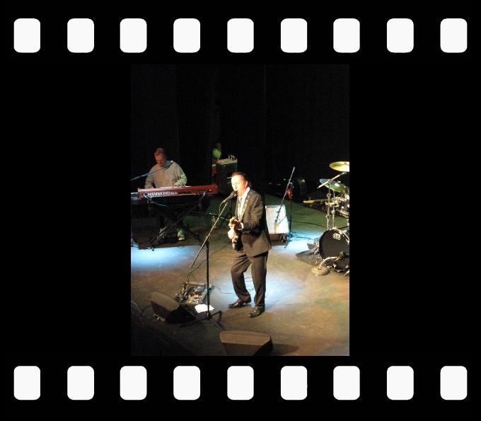 Jack deKeyzer Band with David McMorrow on keyboards